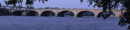 800px-215_10_Morgan_G._Bulkeley_Bridge